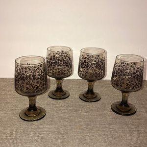 Vintage drinkware glasses Set Of 4